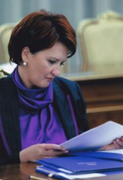 Елена Скрынник отвоевала в суде право на забвение - МК