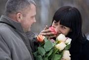 Дарите женщинам цветы?