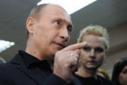 Путин: рубль не рухнет, доллар тоже устоит