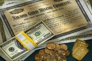 Доходный август: акции, золото и евро
