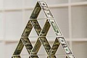"""Российские олигархи пострадали от """"пирамиды Мэдоффа"""""""