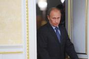 Путин: уменьшить займы и сохранить резервы