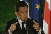 Саркози грозится и не уходит