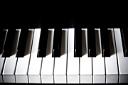 У Мэдоффа отнимут пианино и столовое серебро