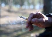 Россиянам могут запретить курить на улице