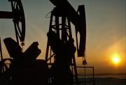 ОПЕК обвалила нефть до минимума за 4 года