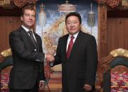 Медведев в юрте и урановое соглашение