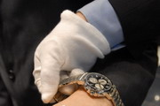 Чиновники сверили часы: у кого дороже