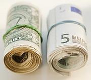 Минфин менял доллары и фунты на евро