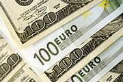 Доллар на минимуме, евро растет