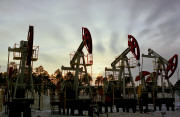 Нефть упала ниже $76