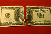 Доллар на волне негатива