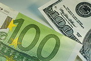 Доллар потерял рубль, евро - прибавил